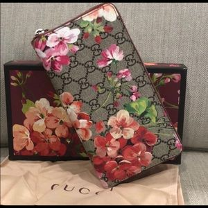 Gucci Bags - Authentic Gucci Blooms Zip Around Wallet